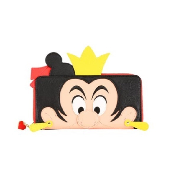 Loungefly Handbags - Loungefly X Disney queen of hearts wallet